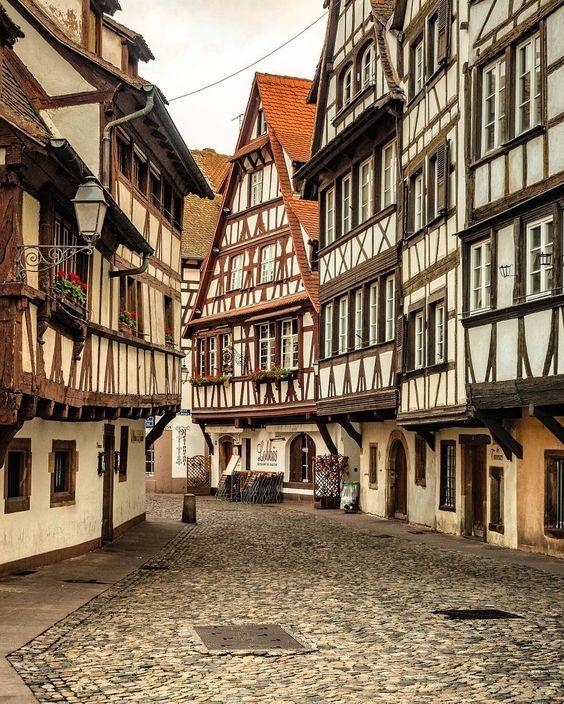 Les trois villes en France qui sont belles tant que Paris, la capitale de « beau pays »